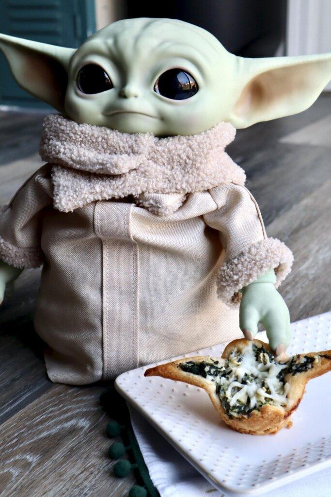 Baby Yoda spinach bites