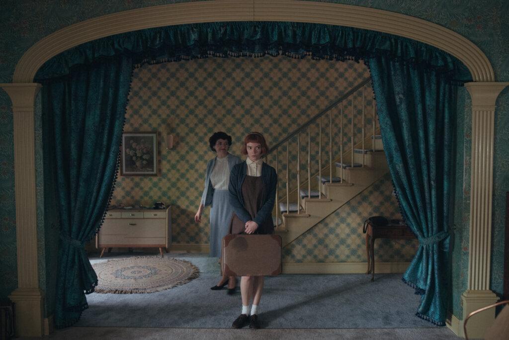 The Queen's Gambit interior of Beth's home